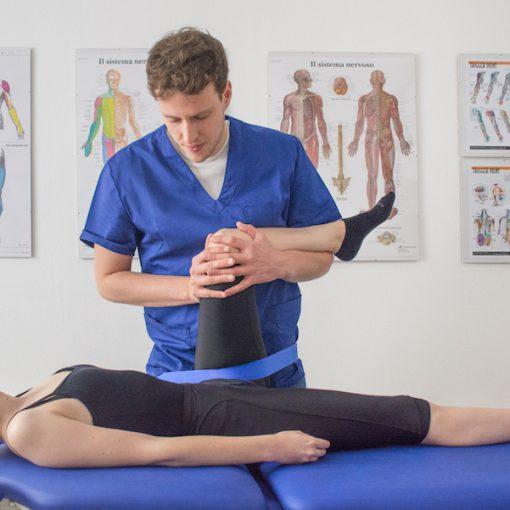 dolore ad anca o ginocchio Fisioterapia Vimercate Fisioterapista Vimercate Centro di Fisioterapia Vimercate Studio Fisioterapico Vimercate
